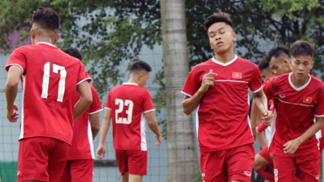 Tin bóng đá Việt Nam 19-10: HLV Hoàng Anh Tuấn có chiêu khích quân đặc biệt