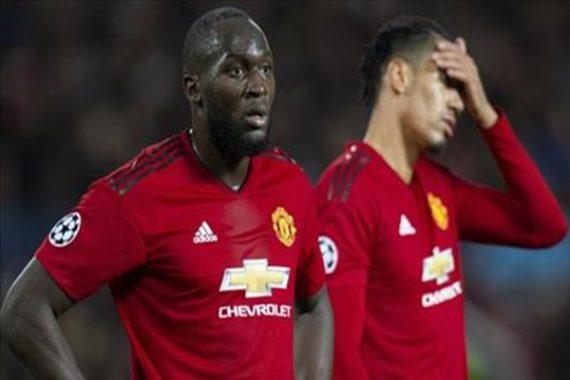 Lukaku phàn nàn đồng đội tại Man Utd