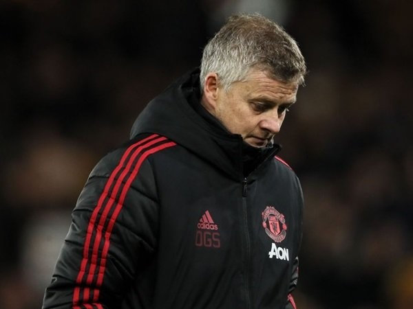 Tại sao vụ Man Utd - Bruno Fernandes đang bị trì hoãn?