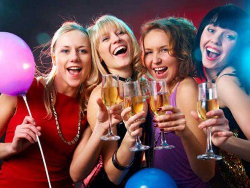 Giải mã giấc mơ thấy ăn tiệc đánh con đề nào chuẩn nhất