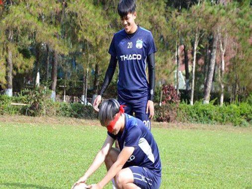 Bóng đá Việt 24-3: V League vẫn tích cực tập luyện