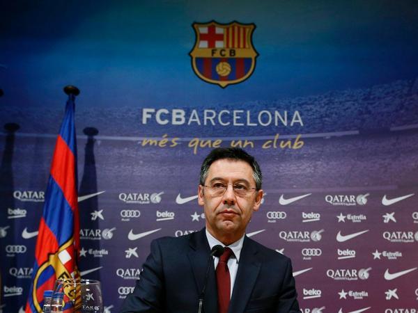 Bóng đá quốc tế 28/8: Bartomeu sẵn sàng từ chức vì Messi