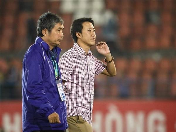 Bóng đá Việt Nam 2/11: HLV Thành Công cam kết tương lai tại Quảng Nam