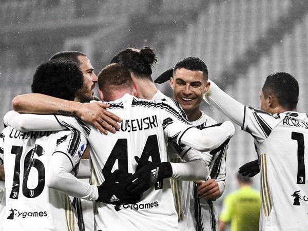 Bóng đá hôm nay 7/2: Ronaldo tỏa sáng, Juventus đánh bại Roma