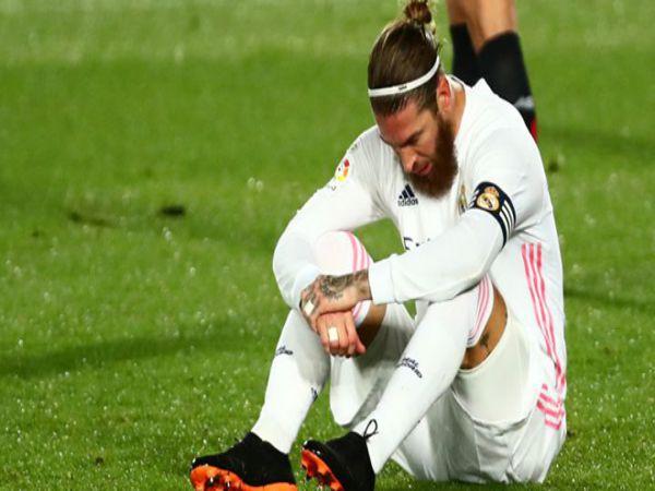 Tin bóng đá sáng 7/2: MU tạm hoãn thương vụ Sergio Ramos