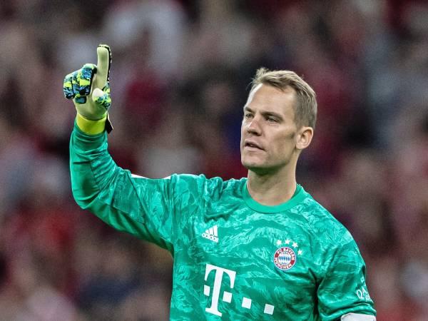 Manuel Neuer là ai? Tiểu sử về chàng ''thủ môn quét''