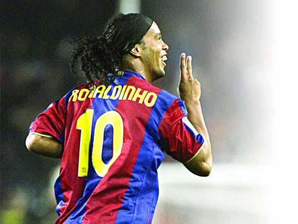 Cầu thủ Ronaldinho - Tiểu sử và danh hiệu của Ronaldinho