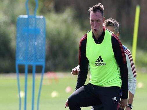 Bóng đá Quốc tế 24/8: Phil Jones thừa nhận muốn ra sân nhiều hơn
